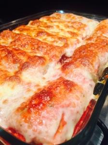Panquecas de Carne Gratinadas com Molho de Tomate - Receita prática para o dia a dia @bakeancakebr