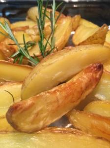 Batatas Coradas com Alecrim ou Batatas Rústicas